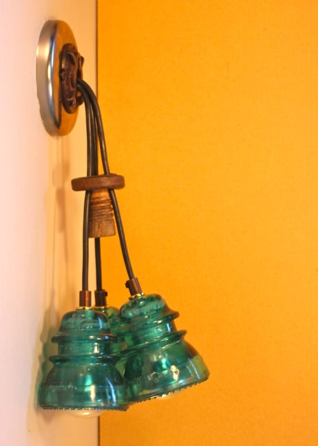 Insulator light cluster sconce