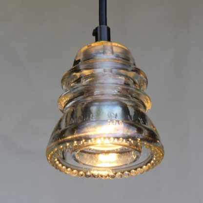 insulaor light pendant