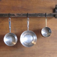wall-mount-pot-rack-2